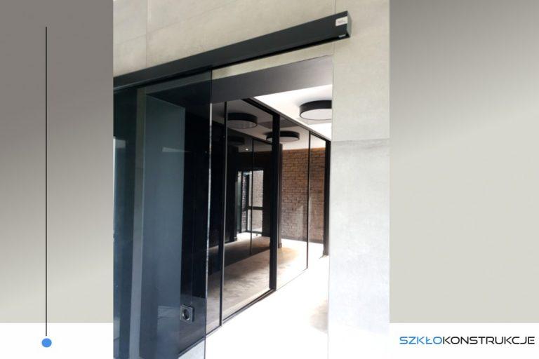 drzwi przesuwne ze szkłem grafitowym