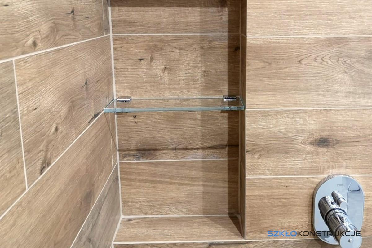 półka szklana pod prysznicem