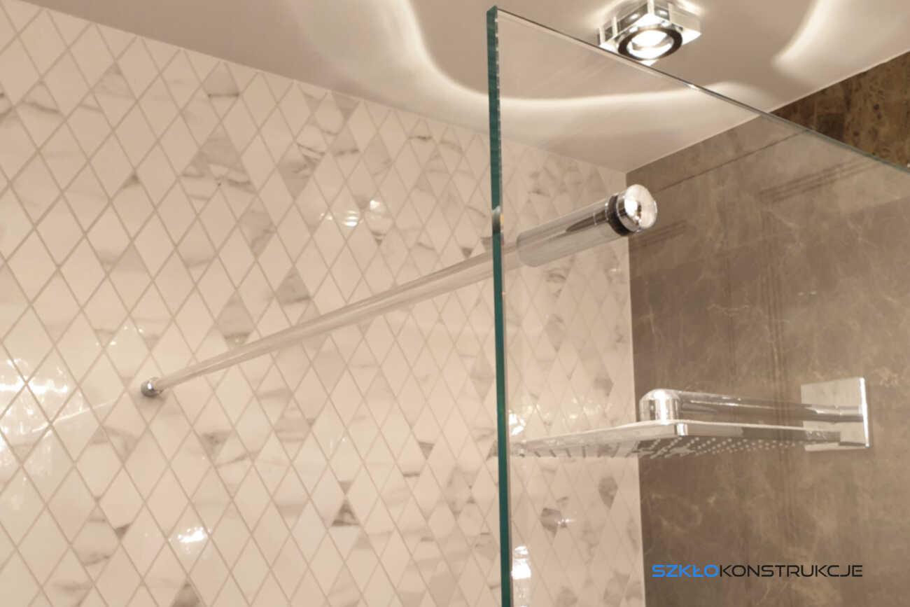 stabilizator do ścianki prysznicowej